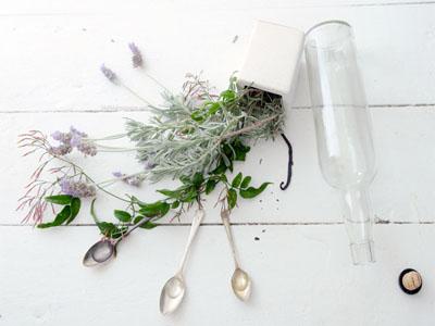 Perfume caseiro de jasmim
