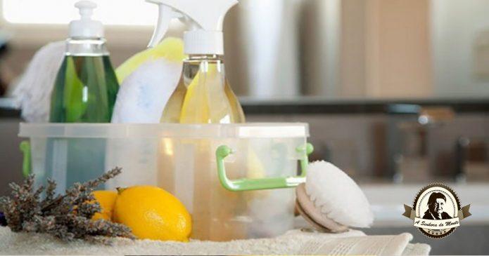 Produtos caseiros na limpeza de casas de banho