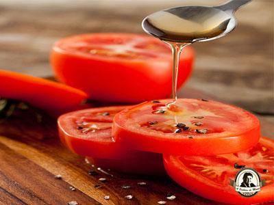 Tratamento caseiro com tomate e mel