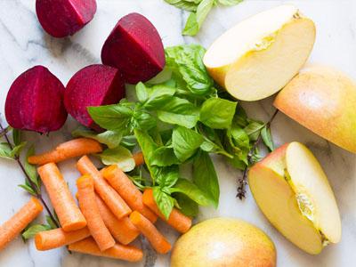 Sumo de beterraba com maçã e cenoura