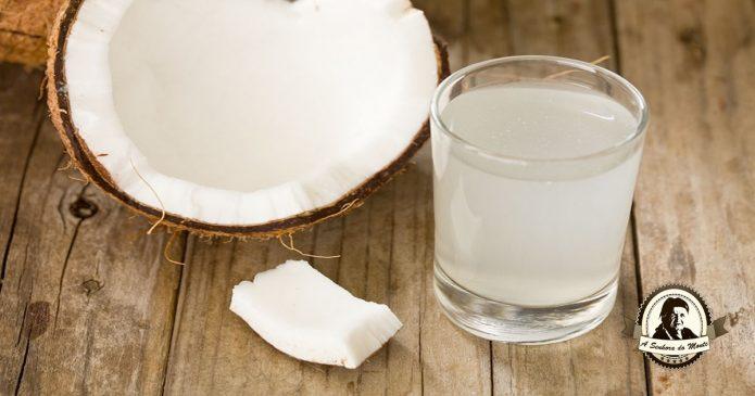 Sumos naturais saudáveis - Sumo de água de côco e agriões