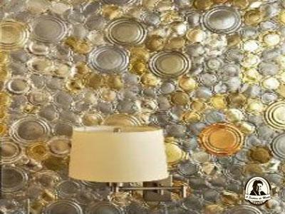 Decoração de paredes feita com fundos de latas de conserva