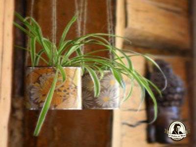 Vasos feitos com latas de conserva