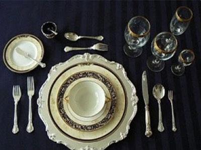 Limpeza de talheres e copos