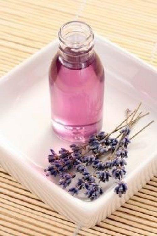 Tratamento natural para dores de cabeça com óleo de alfazema