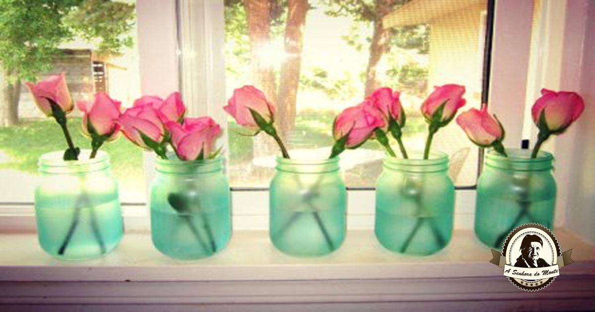 Artesanato com frascos e garrafas de vidro