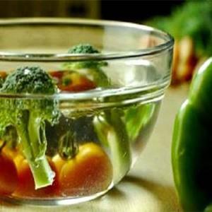 Como eliminar pesticidas de frutas e vegetais