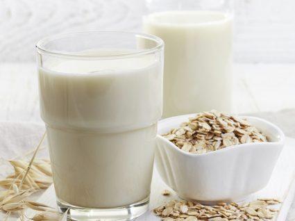 """Aprenda a fazer vários tipos de""""leites"""" de fonte vegetal"""