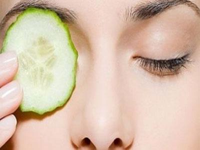 Rodelas de pepino no tratamento das olheiras