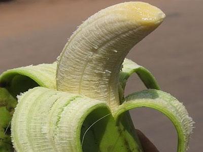 Casca de banana verde no tratamento de calos