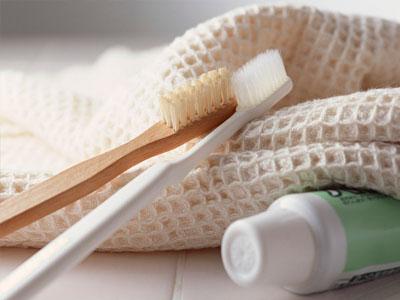 Pasta de dentes caseira feita de casca de ovo
