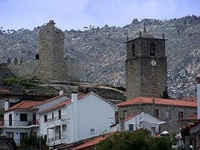 Torre de menagem e torre sineira de Castelo Novo