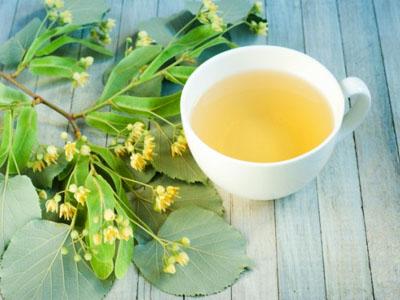 Chá de tília para combater as rugas