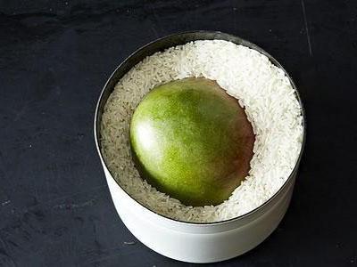 Como amadurecer fruta com milho