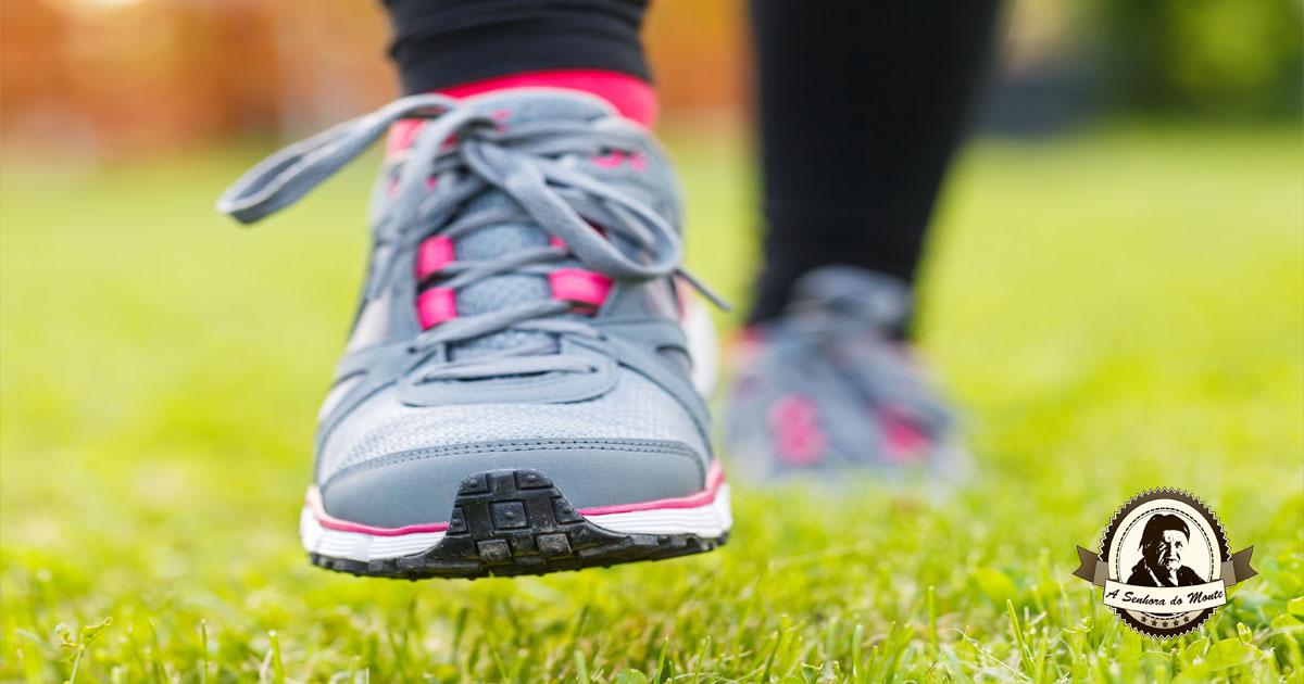 Como eliminar naturalmente o mau cheiro nos sapatos