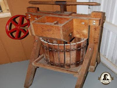 Antiga prensa para maçãs