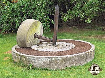 Antiga roda para moer as maçãs