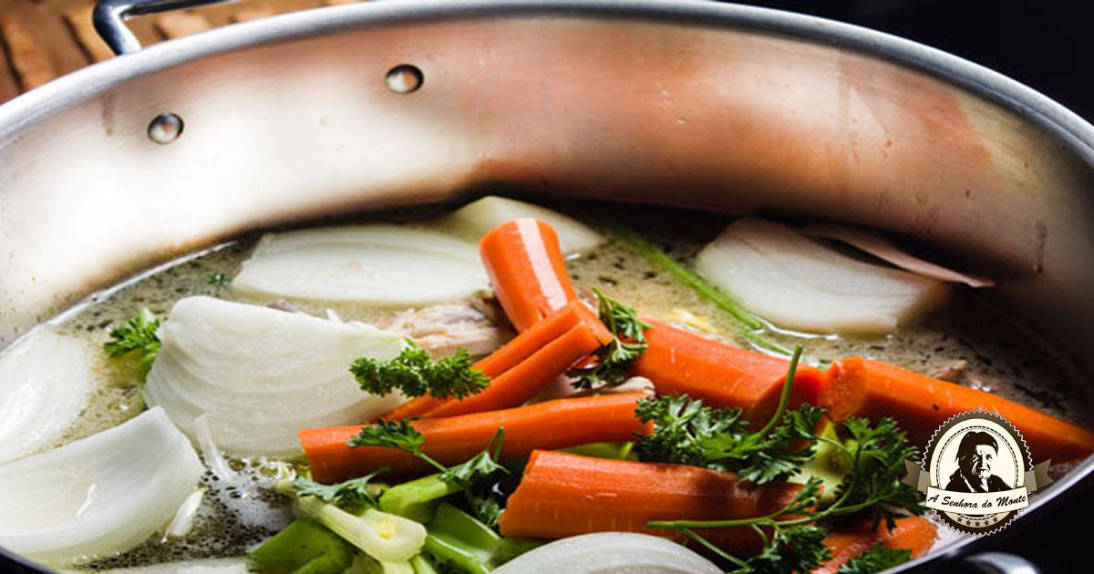 Caldo caseiro de legumes
