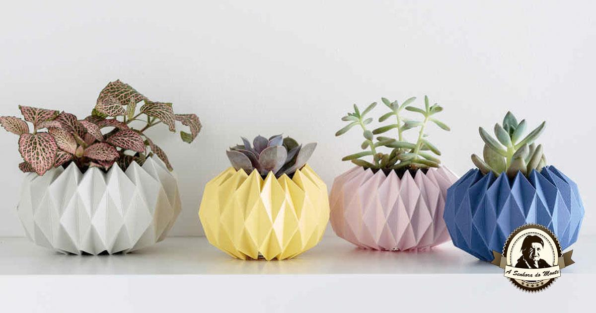 Decore os seus vasos com coberturas feitas em origami!