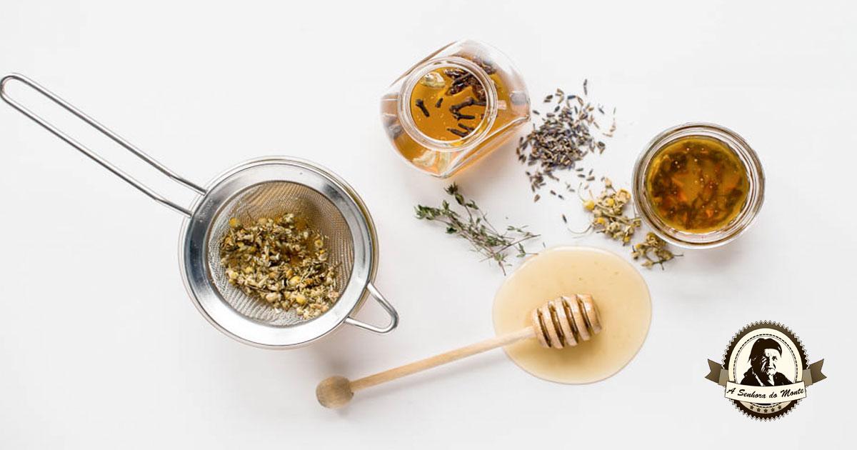 Aprenda a fazer mel aromático com flores, especiarias e ervas aromáticas