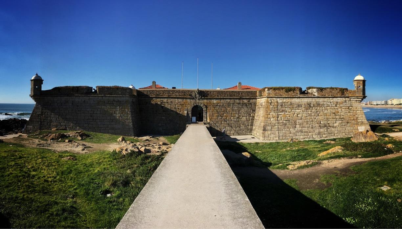 Sabe porque o Castelo do Queijo tem este nome?