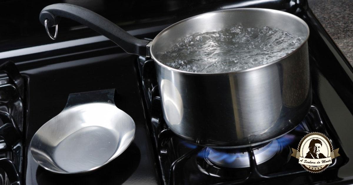 Água fervida - Um grande segredo dos tempos dos nossos avós!