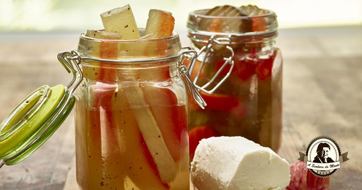 Sabia que pode fazer picles de cascas de melancia?