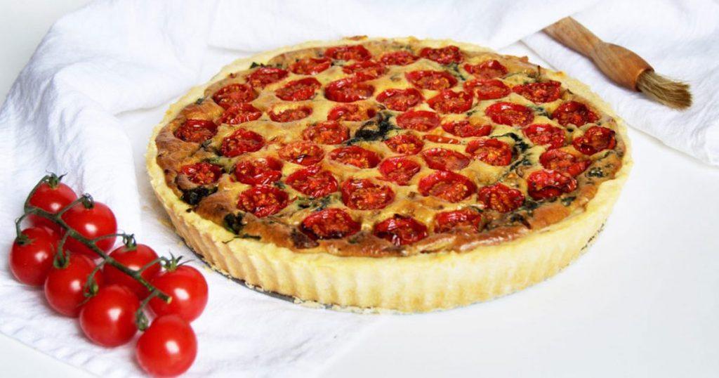 Receita de quiche com tomate cherry e espinafres