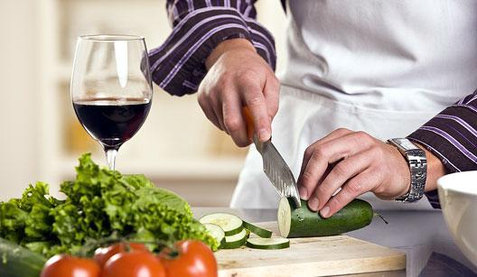Saiba 17 coisas que nunca deve fazer na cozinha!