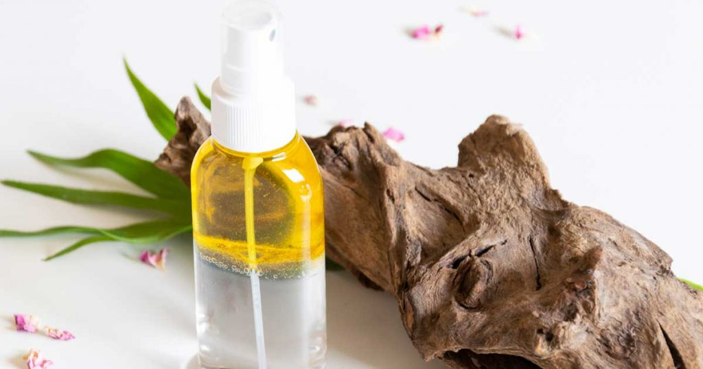 Agite bem a loção antes de usar e aplique na pele limpa.