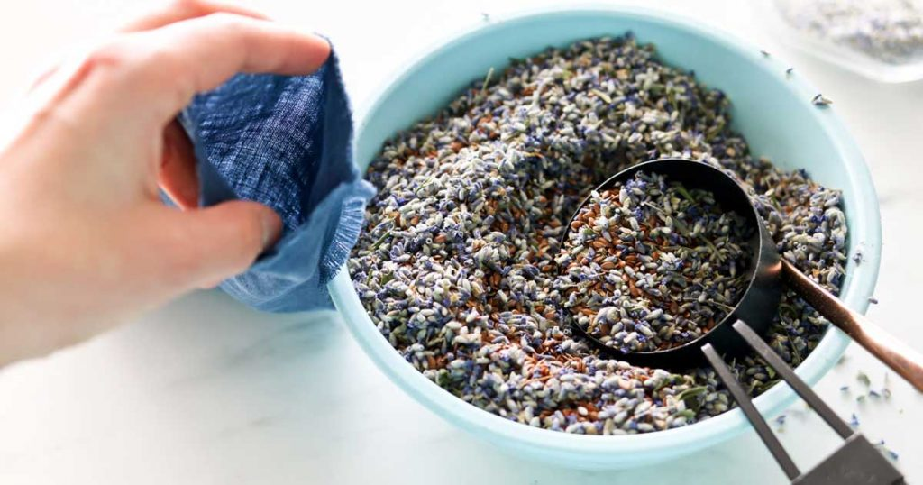 Aprenda a fazer almofadas térmicas com sementes e ervas aromáticas