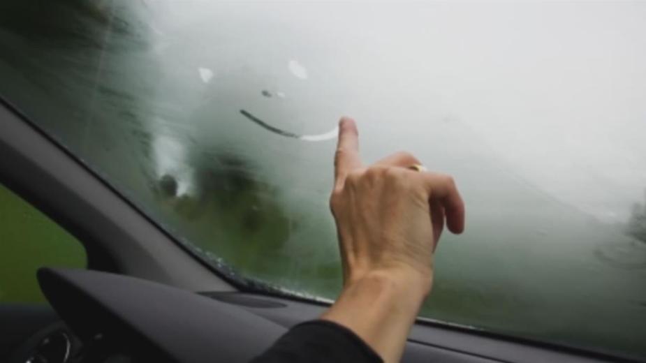 Quer saber uma dica para acabar com a humidade no seu carro carro?