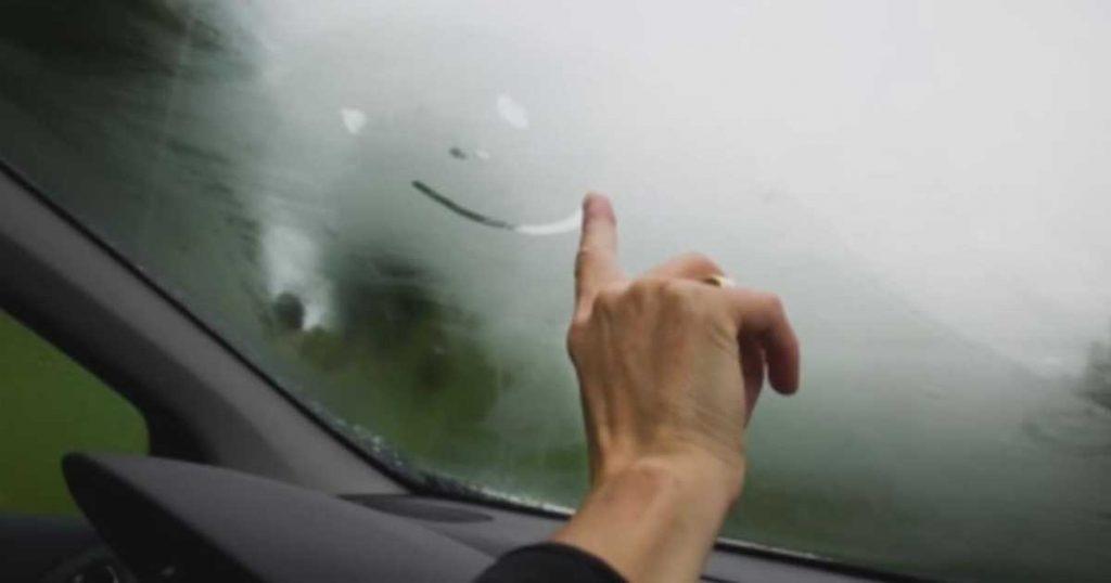 Dica para acabar com a humidade no seu carro carro!