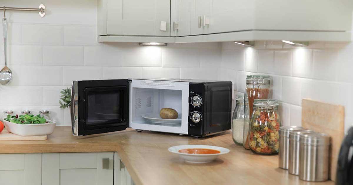 Limpe o seu microondas de forma fácil e sem produtos químicos!