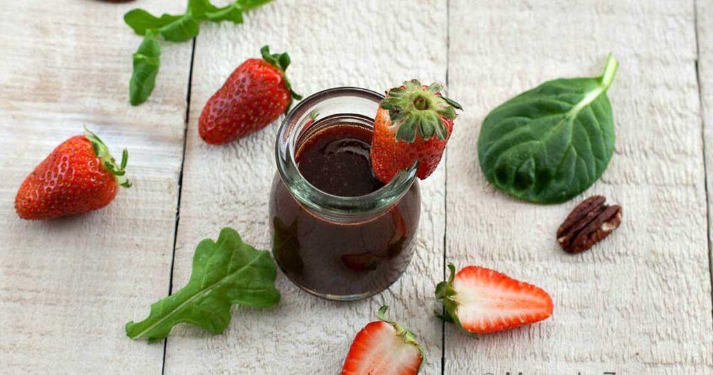 Aprenda a fazer vinagre balsâmico com morangos