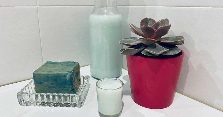 Aprenda a fazer detergente líquido feito com sabão azul e branco